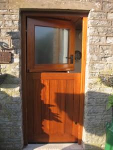 DOOR1_46
