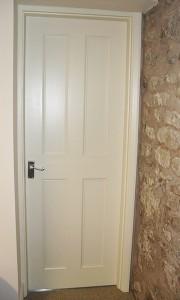DOOR_103